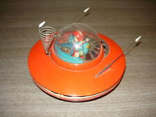 YOSHIYA JAPAN FLYING SAUCER ASTRONAVE SPAZIALE SPACE PILOT VINTAGE JAPAN TIN TOY