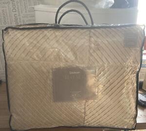Kaleidoscope Single Comforter Bedspread - Vanilla - NEW