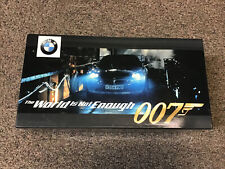 KYOSHO - Diecast 1:18 Car - 1999 BMW Z8 / JAMES BOND 007 The World is Not Enough