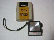 REALTONE PLASTIC TRANSISTOR BATTERY AM RADIO 1960'S VINTAGE & BOX 1720     T*
