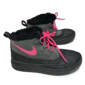 NIKE Youth Girl Size 6Y Woodside Chukka II Suede Rubber Fur Lined #859425-001