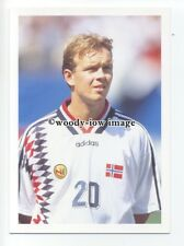 TC0046 - Norway Defender - Henning Berg - postcard Barratt Europes Best