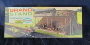 1962 AURORA MOTORING HO SLOT CAR GRAND STAND KIT MINT SEALED NEW IN BOX !!