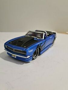 Maisto 1;24 scale 1968 Chevrolet Camaro ss blue 2 door and top down Muscle car