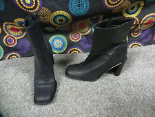 Connie Black Leather Fashion Ankle Boots w/Detailed Stitching, sz 7.5M