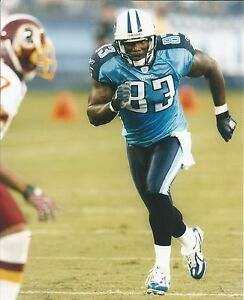 TENNESSEE TITANS Eric Moulds Unsigned 8x10 Photograph