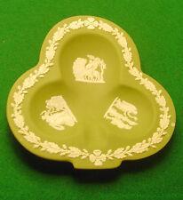 Coupelle en biscuit Wedgwood jasperware en forme de trèfle à feuilles de chêne
