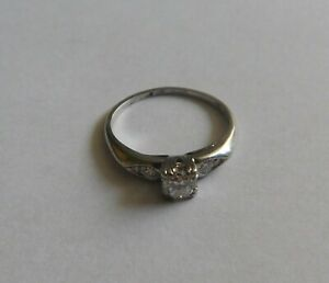 0.3ct Diamond Platinum Engagement Ring sz 5.5