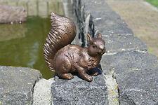 Bronzeskulptur, kleines Eichhörnchen, Dekoration für Haus und Garten *