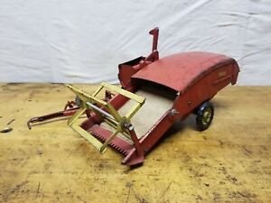 Vintage Tru Scale Farm Toy Combine Pressed steel Red