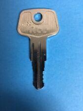 Hummer H2 Roof Rack Cross Bar Replacement Key E002