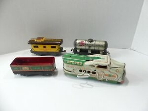Late 1930's Marx M10005 Union Pacific wind up freight train w/ reversible engine