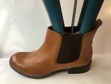 Clarks genuine leather ankle size 7E ladies biker flat ladies womens boots shoes