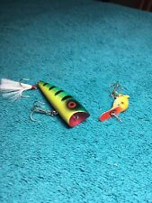 """Lot Of 2 Fishing Lures. The Small One Is A """"Hot Shot 7�, The Other Unbranded."""
