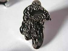 Classic TT Racer pin badge. British motorcycle. Norton Triumph BSA. Isle of Man