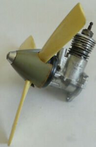Vintage 1960's Wen Mac Giant P-51 Mustang .049 MKII Engine w/Prop and Spinner