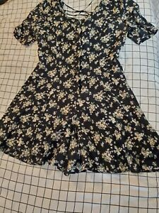 Vintage Rampage Size 9 Women's Black Floral Print Romper button up front summer