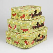 Contenitori e scatole di cartone marrone per la casa