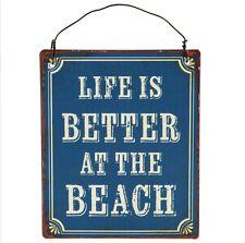 La vita è migliore in Spiaggia Mini retro per appendere la placca. Spiaggia sign. shabby chic.