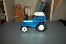 BRITAINS 1:32 FORD T W 20 TRACTOR  USED    LOOSE NO BOX