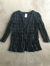 Women's Levi's Green, Navy Blue Black Checked Tie Up Top Size Medium