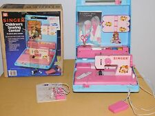 VINTAGE  TOY GIRL 1983 SINGER CHILDREN'S SEWING CENTER in BOX NICE!