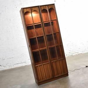 Keller Furniture MCM Lighted Display Cabinet Bookcase Style of Broyhill Brasilia