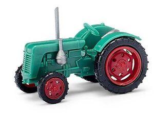 Busch 211006800 - 1/120 / Tt Tractor Famulus - Green/Red Rims - New