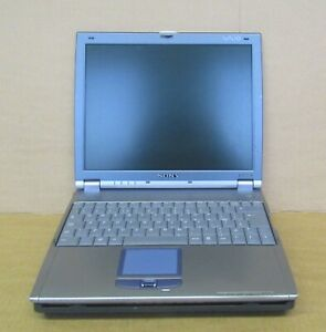 "Sony PCG-651M 12.1"" Pentium III 1.2Ghz Laptop with Docking Station PCG-R600HMPD"
