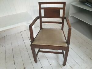 Scottish Arts and crafts Arm/Carver chair in Oak