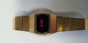 VINTAGE SEARS ROEBUCK LED WATCH