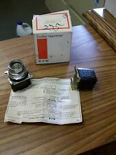 Cutler-Hammer 10250T418 Indicating Light with Master Test **NEW**