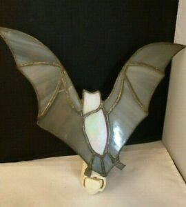 """Vintage STAINED GLASS  BAT  Halloween  Plug-in Night light   SPOOKY  FUN 7 3/4"""""""