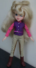 """TM, MGA Entertainment 2009 25312 Ele 10"""" DRESSED DOLL long cheveux blonds, Bottes, Chaussures"""