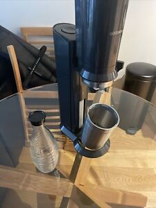Sodastream CRYSTAL Sparkling Water Maker+Reusable Glass Carafe+60L CO2 Cylinder!