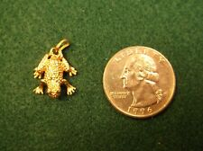 NEAT LITTLE & HEAVY 14K YELLOW GOLD FROG / TOAD PENDANT / CHARM, LOTS OF DETAIL