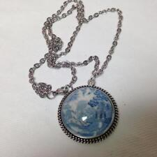 Beautiful, Rare 1.25in Round Blue Willow Pendant 20in Silver Tone Necklace