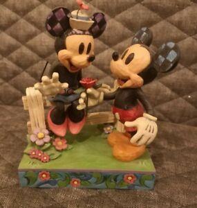 Jim Shore Disney Traditions - Blossoming Romance (6000969) - Mickey & Minnie