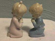 ROMAN BLUE & WHITE CERAMIC KNEELING PRAYING BOY & GIRL FIGURINES JAPAN-G