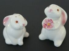 Vintage Avon 1983 Bunny Rabbit Flower Salt And Pepper Shaker ceramic Brazil