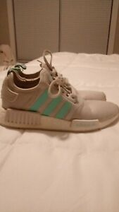 Adidas sneakers Size 4