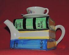 Théière en céramique. Les Livres. Céramique anglaise Tony Carter 1990 environ