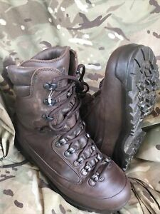 Brown Cold Wet Weather SF Karrimor Boots!Very good/loads of tread!Size 6 Wide