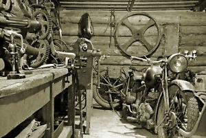 Fototapete VLIES-GARAGE-(1169S)-Alte Motorräder Vintage Retro Werkzeuge Bike