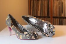Poetic Licence Flirtation Brown Floral Fabric 3 1/2 Inch Heel Pumps Size 8.5 M