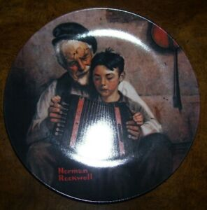 """Knowles Norman Rockwell 8 1/2"""" Plate #5 """"The Music Maker"""" Original Box & Docs"""