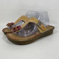 L'Artiste by Spring Step Aldora Thong Slide Sandals Sz 40 US 9 Floral Tooled