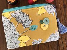 Handmade Cosmetic Fabric Makeup bag Purse Pouch Zipper Floral Flower gift Tassel