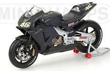 MINICHAMPS 122 027946 Honda RC211V Rossi Pre Season MotoGP Testbike 2002 1:12th