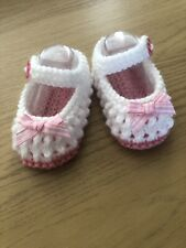 NEW - HAND KNITTED - WHITE BABY BOOTEES WITH PINK SOLE AND BOWS - 0-3 MONTHS